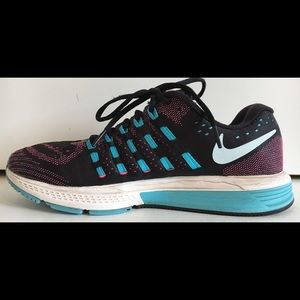 NIKE Women's ZOOM VOMERO 11 Sz 9.5 Running Shoe